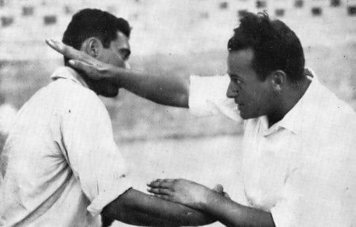 Moshe Feldenkrais demonstrating a flat-handed blow